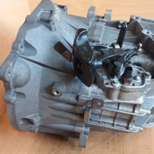 VOLVO V50 2005 6-SPEED MANUAL GEARBOX OEM 4M5R-7002-CE / 3S7R-7F096